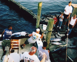 """Brian and Kyle Pulling out a big Bluefin on """"Topless"""""""